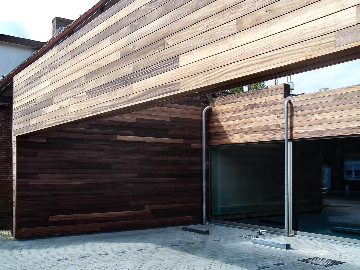 Moderne en knappe carport ontworpen en gemaakt door timmerman uit Geel
