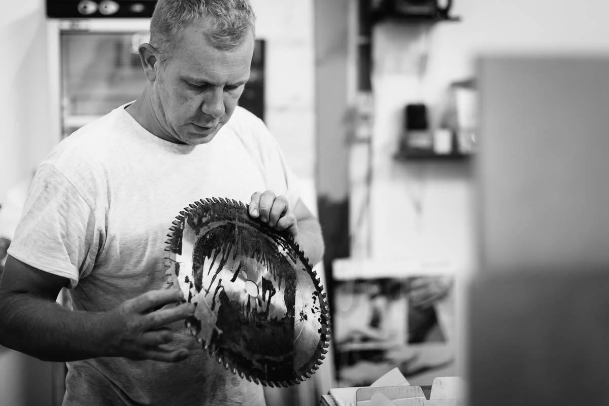 Schrijnwerkerij Geel, Jo Dierckx gekwalificeerd vakman levert top-materiaal aan aantrekkelijke prijzen.
